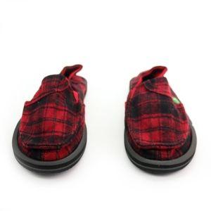 Sanuk Shoes - Sanuk Pick Pocket Plaid Red Black Plaid Shoes NEW!